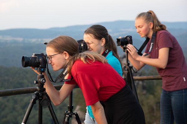 Fotografieren auf der Schrammsteinaussicht - Foto: Rita Boden