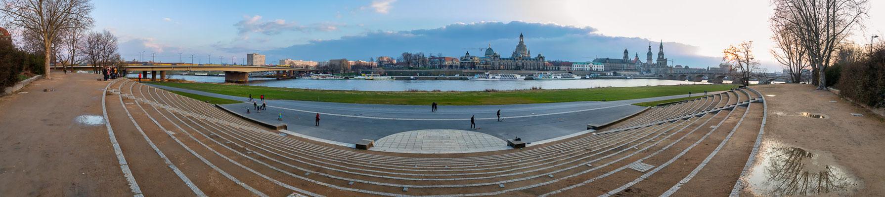 Panorama von Dresdens Silhouette - Foto: Rita Boden