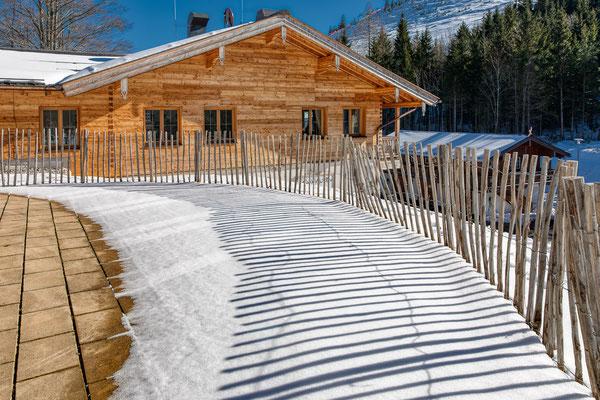 Bröselam mit Skihang im Hintergrund - Foto: Rita Boden (HDR-Bild aus 5er Belichtungsreihe)