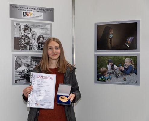 """Rebecca Toews gewinnt Gold beim bundesweiten Themenwettbewerb """"Jugendszene"""" - Foto: Rita Boden"""