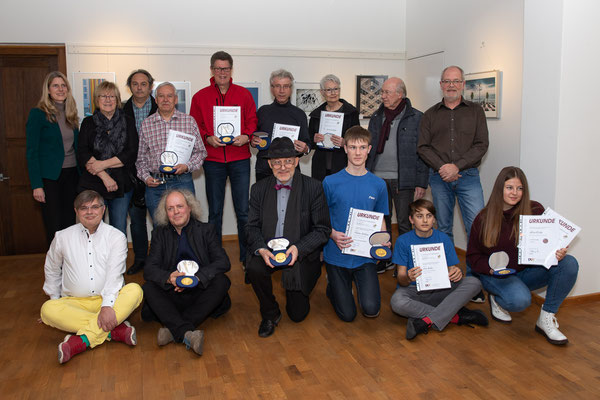 Alle anwesenden Preisträger mit Veranstalter - Foto: Rita Boden