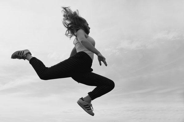 Alina Escher - Jump