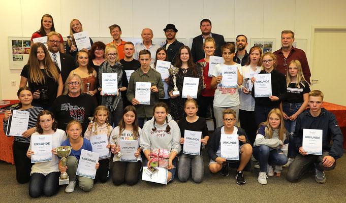 Gruppenbild Jugend und Workshopleiter - Foto: Rita Boden