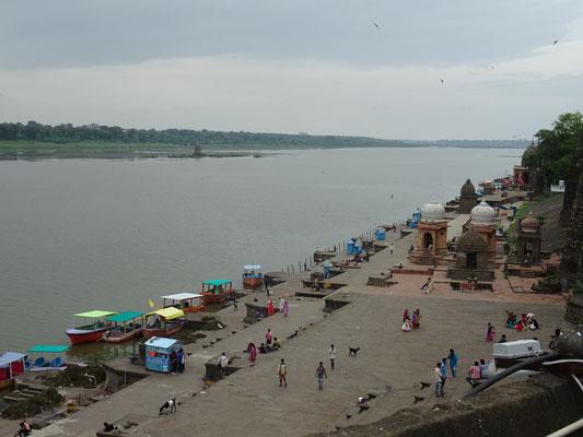 die Ghats, also das Ufer des heiligen Flusses