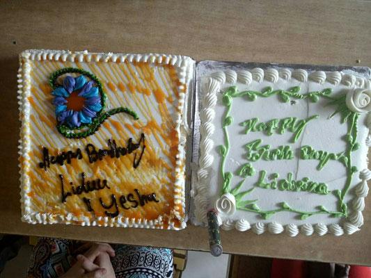 Geburtstagskuchen in Dayabhavan