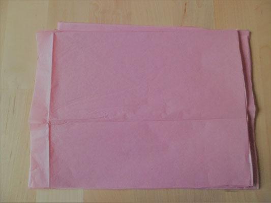 découpe du papier de soie