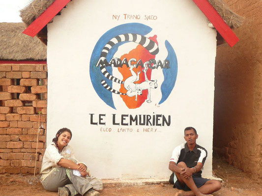 Conception - chantier participatif et artistique de la MJC du village de Mahazaza (Madagascar) 2012