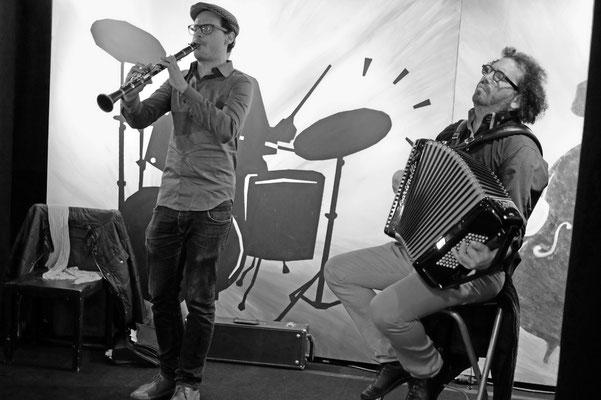 Happy Hour, Jonathan Orlan: clarinette; Alexis Kune: accordéon. Jeudi 21 novembre 2013