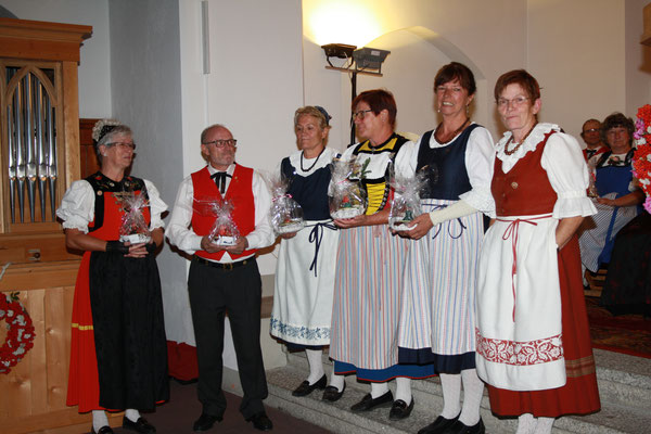 Aktive Gründungsmitglieder : Marlyse Erni, Theo Cavegn, Marla Fontana, Erna Lehmann, Gritli Meuli, Elisabeth Wallnöfer