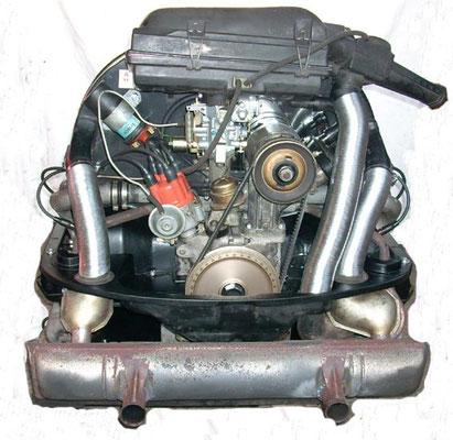 Das Herz, 1300ccm, 32KW/44PS. Eingebaut wurde aber der orig. Oelbadluftfilter.