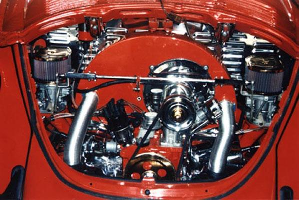 Lackiert, 1600ccm, ca. 45KW/62PS, 40er Weber Doppelvergaser, K-Scheibe, Luftfilter Ober- Unterteil wurden vergoldet. Wirklich!!! Mit TÜV Gutachten!