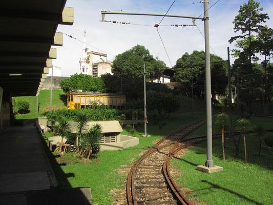 Am 8. Oktober 1892 eröffnete der Vizepräsident Brasiliens, Floriano Peixoto, zwischen Largo da Carioca und Largo do Machado in Rio de Janeiro die erste elektrische Straßenbahn des Landes. Der Betrieb wude nach einem Unfall mit  5 Toten 2011 eingestellt.