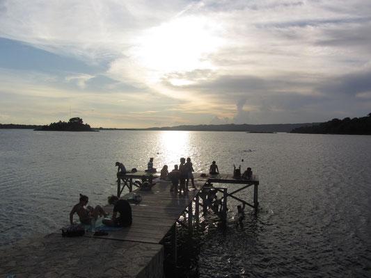 Populärer Badesteg.