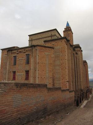 Der imposante Kirchenbau in unserer Nachbarschaft. Bei weitem das beeindruckendste Gebäude.