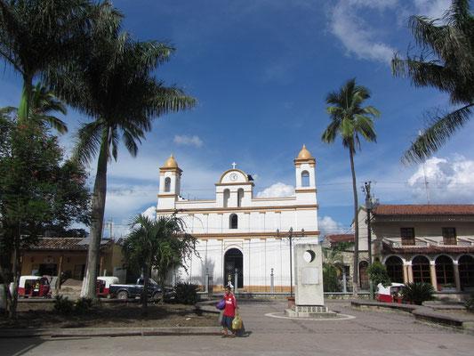 Der renovierte Parque Central mit seiner Kirche auf einer Seite ist das Herzen Copans.