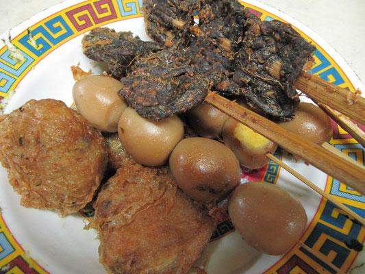 """Cholesterin pur - Kartoffel, Ei, Innerei! (Unser Gastgeber war sehr cholesterinbewusst. Immer nach der Devise """"je mehr, desto besser!"""")"""