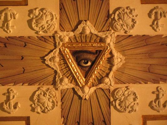Die Decke einer kleinen Kapelle in der Kathedrale.