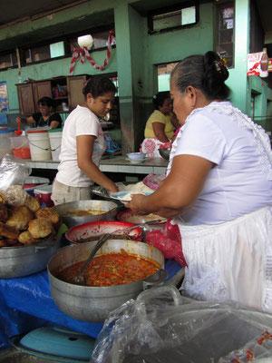 Mittags-mamas im Zentralmarkt kochten täglich für uns frisch & preisgünstig.