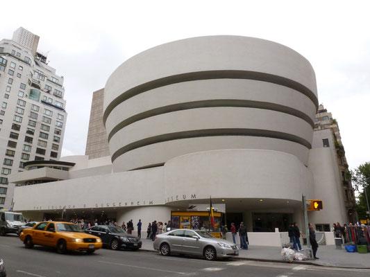 Das Solomon R. Guggenheim Museum, auch kurz Das Guggenheim genannt, ist ein 1939 gegründetes Museum für moderne Kunst in New York City.