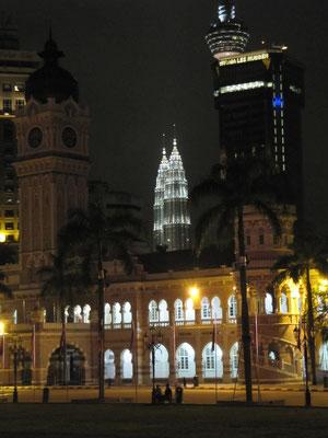 Das Sultan Abdul Samad Gebäude (im Hintergrund die Petronas Towers).