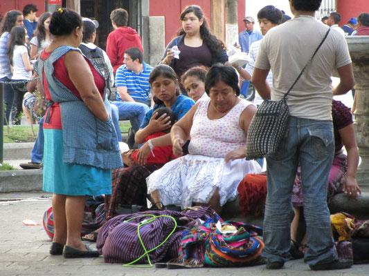 Stattliche Verkäuferinnen im Zentralpark.