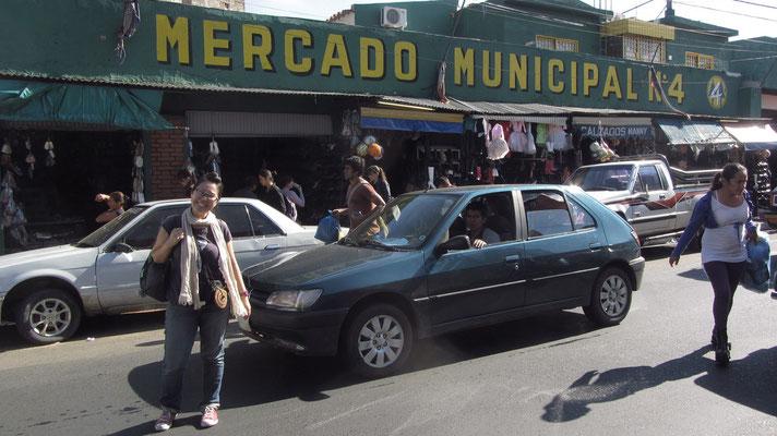 Vor dem Mercado Municipal.
