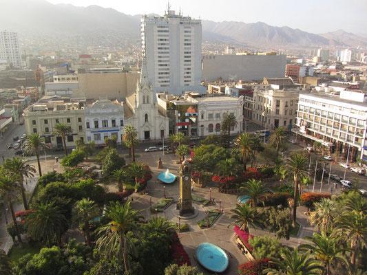 Blick auf den Plaza Colon von der Zahnarztpraxis unseres Gastgebers aus.