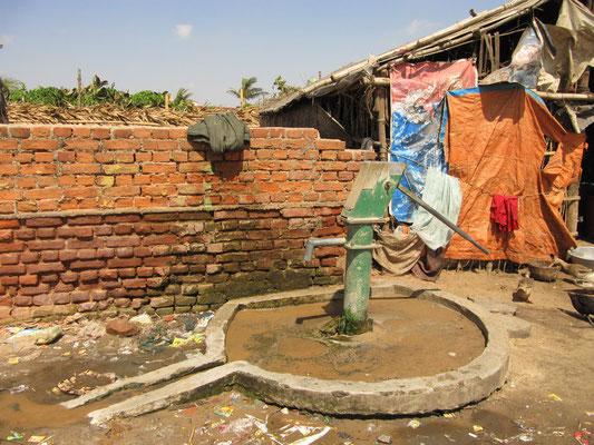 Kann ein Brunnen durch Zufall einem Shiva Lingam so ähnlich sehen? Ja, aber nicht in Indien.