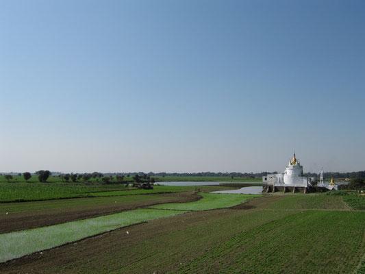 Blick von der U-Bein-Brücke. (Amarapura)