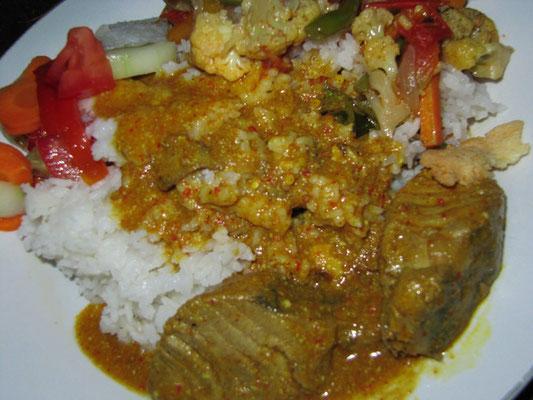 Family Dinner. Curry, Gemüse und Reis.
