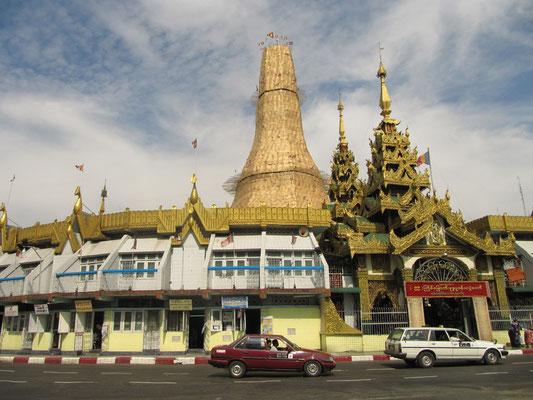 Die Sule Paya im Herzen Yangons.