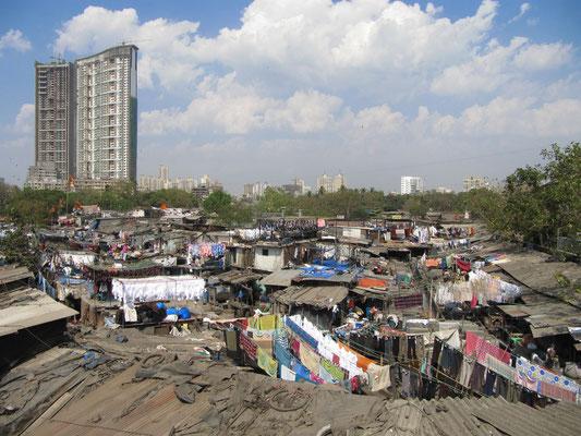 Das Mahalaxmi Dhobi Ghat ist Mumbais älteste und größte von Hand betriebene Waschmaschine.