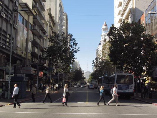 Die Avenida 18 de Julio ist die Hauptstraße der Stadt, ja des Landes.