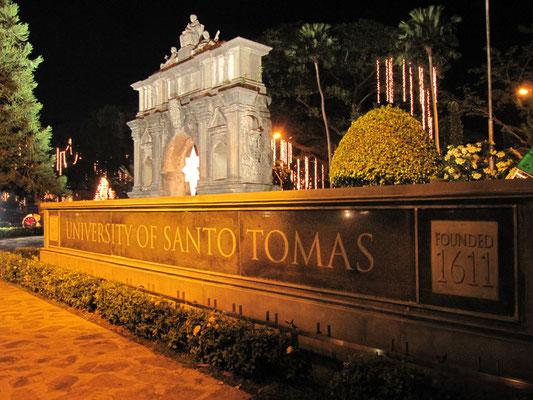 Die University of Santo Tomas ist die älteste Uni in Manila.