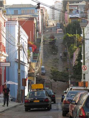 Steiler Anstieg zum Viertel Alegre.