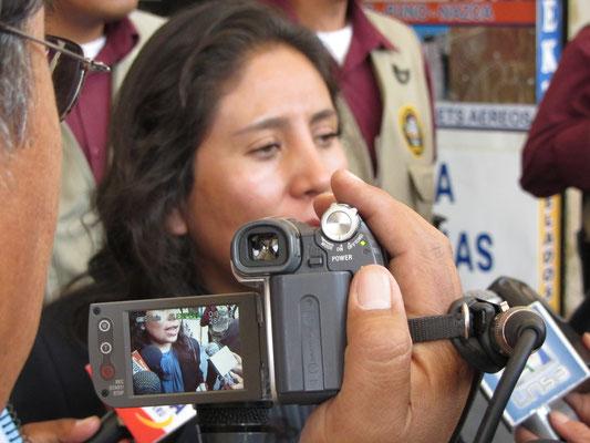 Bei so vielen Journalisten muß es sich um eine bedeutende Persönlichkeit handeln.