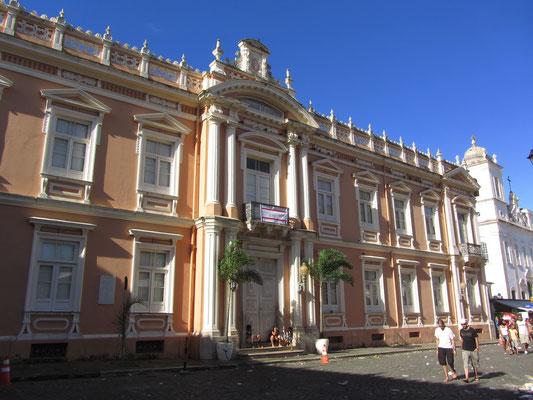 Vor dem Museo Afro-Brasileiro.