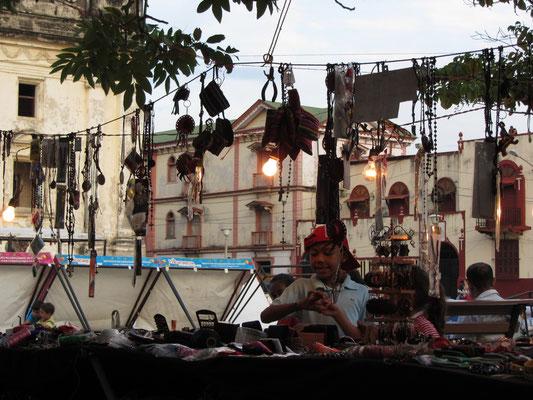 Schmuckverkäufer im Parque Central.