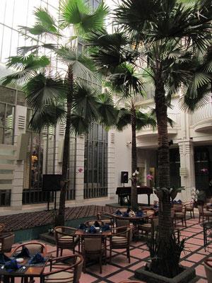Im Savoy-Homann-Hotel.