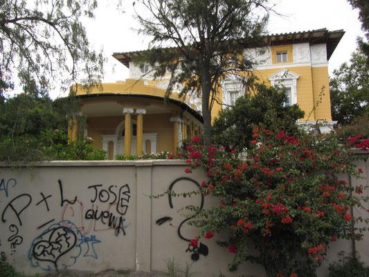 Centro Cultural Sinmon Patino.