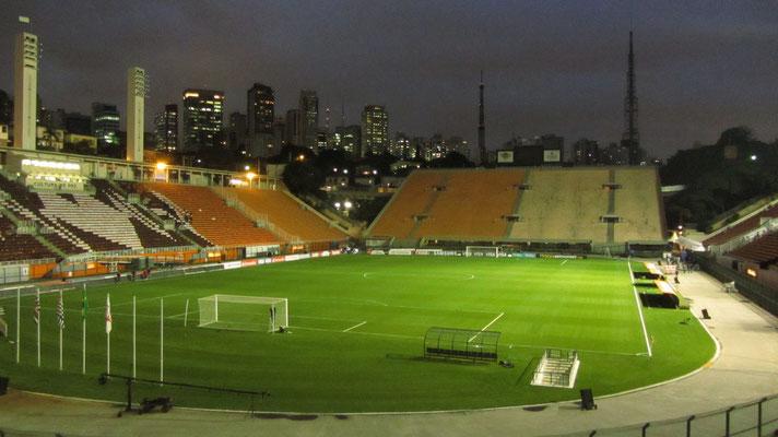 Das Estádio do Pacaembu  bietet Platz für gut 40.000 Zuschauer und dient den Vereinen Corinthians São Paulo und Palmeiras São Paulo als Heimstätte. Zusätzlich beherbergt es seit 2008 das Fußballmuseum.