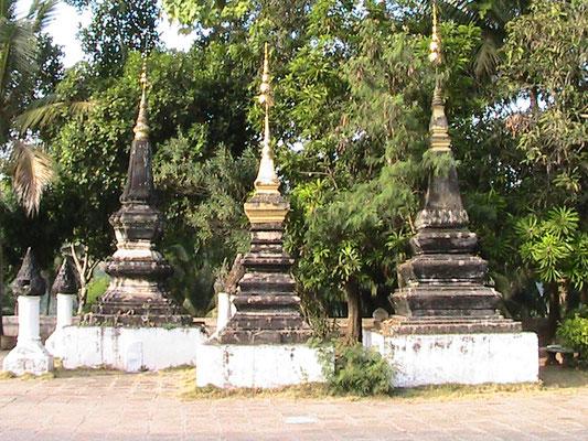 Stupas (Wat Xieng Thong).