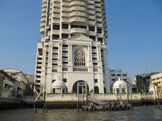 Wohnhaus am Chao Phraya Fluss.