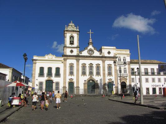 Mit fast 80 Kirchen führt die Stadt die landesweite Liste an. (Terreiro de Jesus)