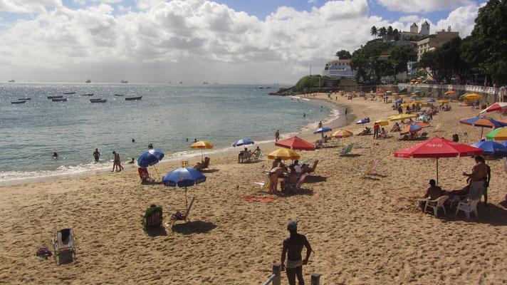 So manch eine Stadt würde sich solch einen Strand wünschen.