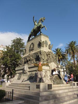 Denkmal auf der Plaza San Martin.