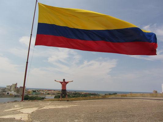 Es weht die kolumbianische Flagge.