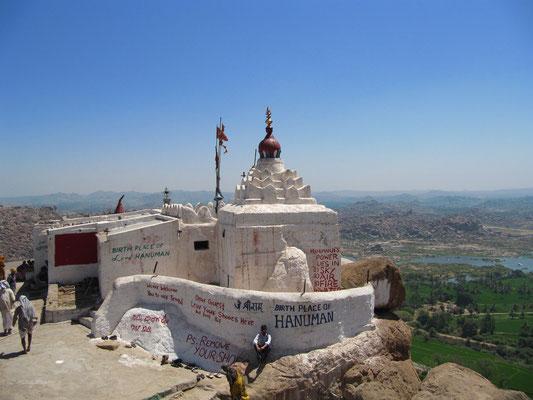 Nochmal der Hanuman-Tempel in seiner ganzen Pracht.