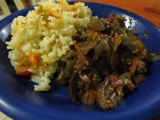 Rindergeschnetzeltes mit Reis.