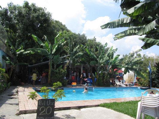 Das Schwimmbad von San Pedro.